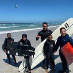 Unsere Sponsorkinder sind zum Surfunterricht eingeladen